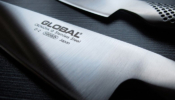 Global Kenyérvágókés 22 cm-es